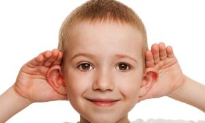 Как исправить лопоухость у ребенка