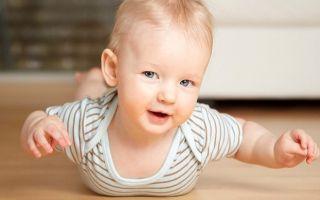 Как малыш растет и развивается в 7 месяцев