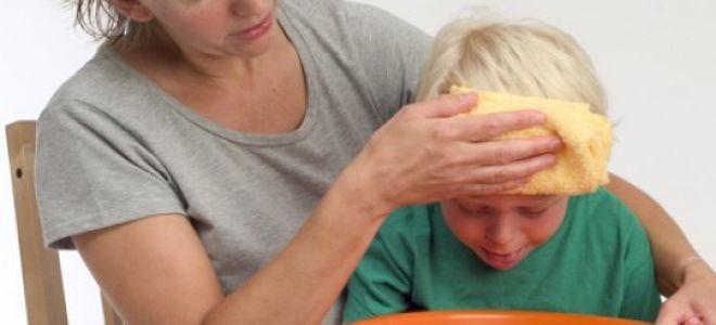 Как промыть желудок ребёнку (в домашних условиях, чем промывать, когда нужно промывать желудок)