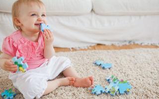 Признаки и первая помощь при проглатывании ребенком инородных предметов