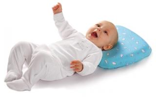 Все о детских ортопедических подушках для грудничков, новорожденных карапузов и детей постарше