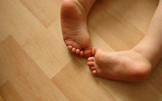 Гимнастика поможет вашему малышу избавиться от плоскостопия