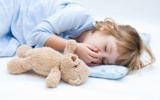 Отчего ребенок может вздрагивать во сне?