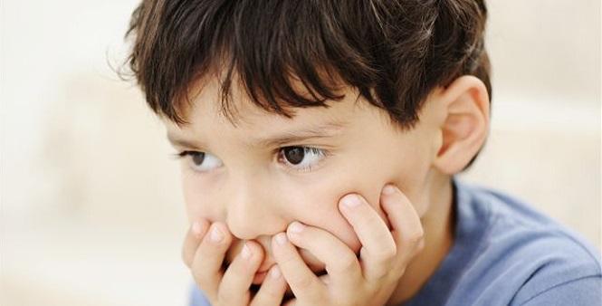 мальчик, больной аутизмом