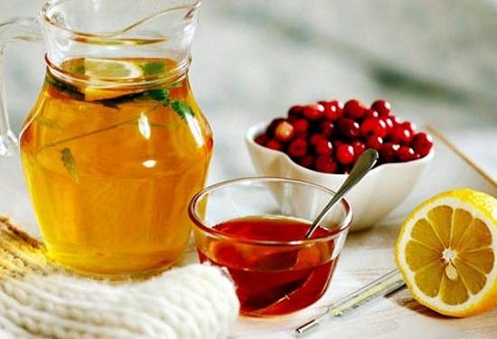 чай и мед от простуды у детей