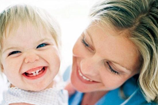 у ребенка режутся зубкиi