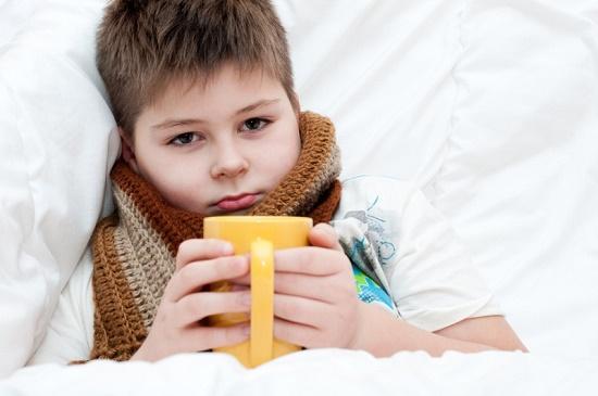 ребенок лечится от ангины
