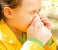 Как лечить аллергию у ребенка 2 года. Диагностика, первая помощь.