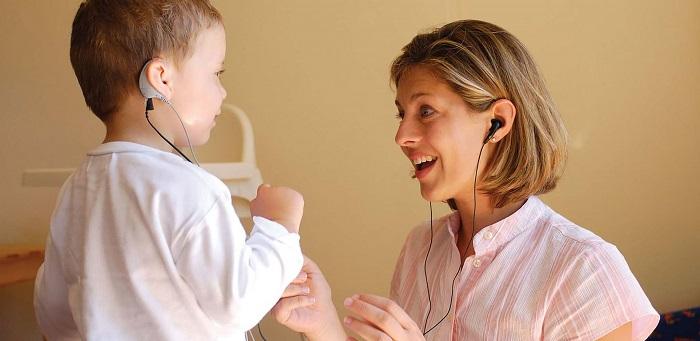 Глухой ребенок