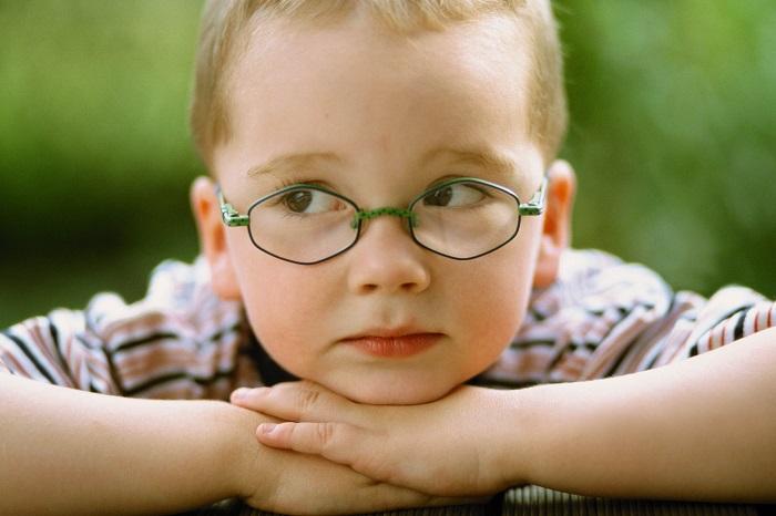 Мальчик и астигматизм