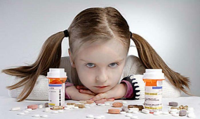 Девочка и успокоительные препараты