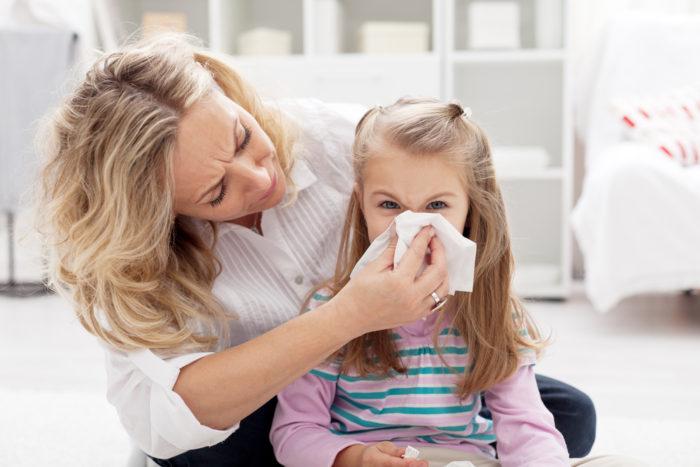 Мама и дочка с гриппом лечатся