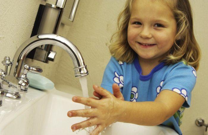 Мытье рук - профилактика паразитов